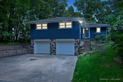 West Bend Single Family Home For Sale: 5414 Bauers Dr