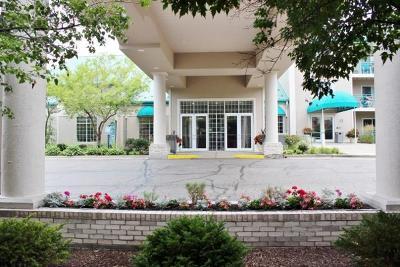 Lake Geneva Condo/Townhouse For Sale: 111 Center St #435 B