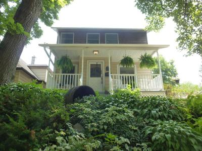 Milwaukee Single Family Home For Sale: 3264 S Delaware Ave