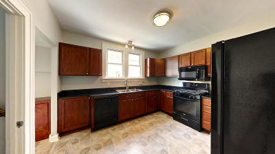Wauwatosa WI Single Family Home For Sale: $249,900