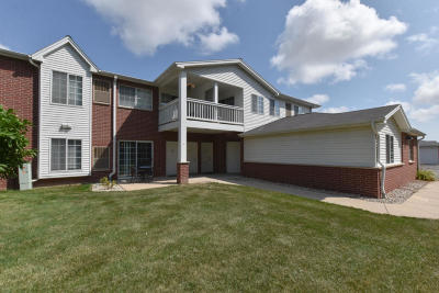 Pleasant Prairie WI Condo/Townhouse For Sale: $145,000