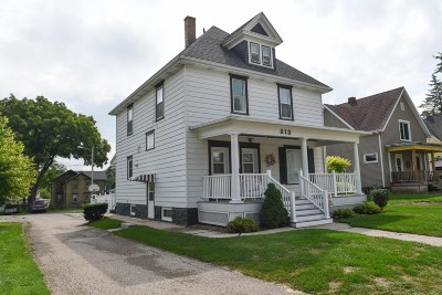 Watertown Single Family Home For Sale: 313 N Montgomery St