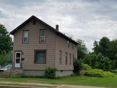 Menominee Single Family Home For Sale: 353 6th Ave