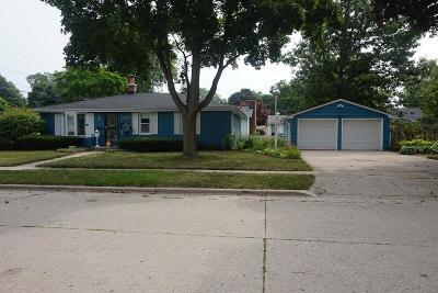Kenosha County Single Family Home For Sale: 7907 19th Ave