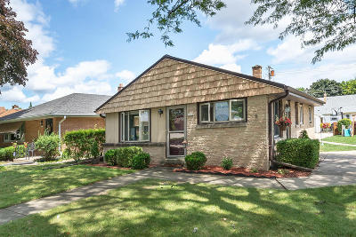 Wauwatosa Single Family Home For Sale: 3702 N 101st St