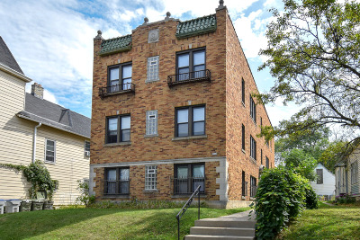 Milwaukee Multi Family Home For Sale: 2210 N Booth St