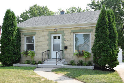 Milwaukee WI Single Family Home For Sale: $115,800