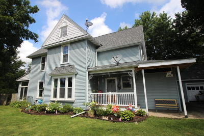 Walworth Single Family Home Active Contingent With Offer: 310 Kenosha St