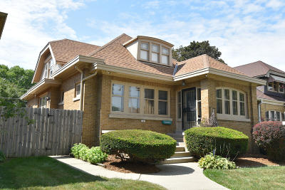 Milwaukee County Single Family Home For Sale: 2841 N 55th St
