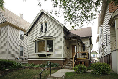 Milwaukee Single Family Home For Sale: 2650 N Bremen St