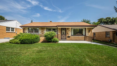 West Allis Single Family Home For Sale: 2938 S 72nd St
