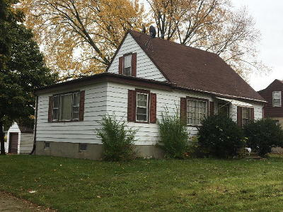 Milwaukee Single Family Home For Sale: 5672 N 69th