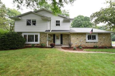 Cedarburg Single Family Home For Sale: 1534 Sylmar Rd
