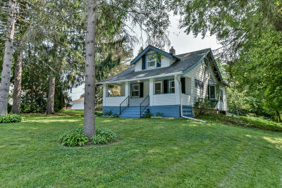 Hales Corners Single Family Home Active Contingent With Offer: 11027 W Godsell Ave