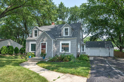 Wauwatosa WI Single Family Home For Sale: $215,000