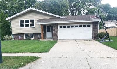 Waukesha WI Single Family Home Active Contingent With Offer: $239,900