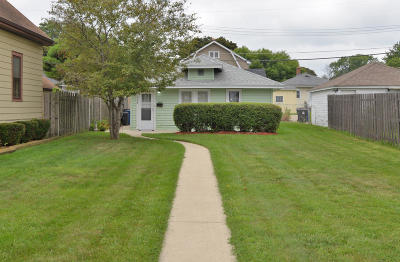 Racine County Single Family Home For Sale: 1508 Cleveland Ave