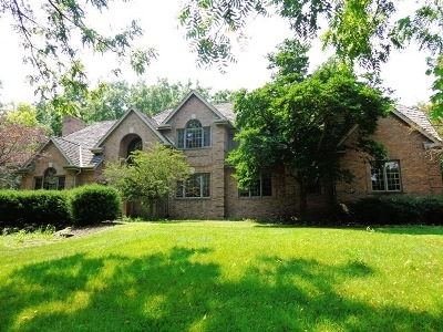 Delafield Single Family Home For Sale: W303n1673 Arbor Dr