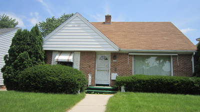 Milwaukee Single Family Home For Sale: 7156 W Beckett Ave