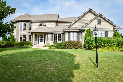 Belgium Single Family Home Active Contingent With Offer: 940 Arlon Ct