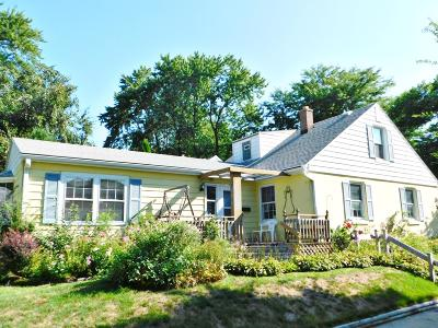 Whitefish Bay Single Family Home Active Contingent With Offer: 5101 N Bay Ridge Ave