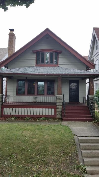 Milwaukee Single Family Home For Sale: 3047 N Bartlett Ave