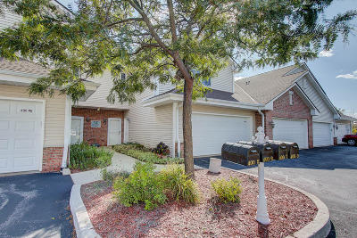 Mukwonago Condo/Townhouse Active Contingent With Offer: 400 E Veterans Way #3