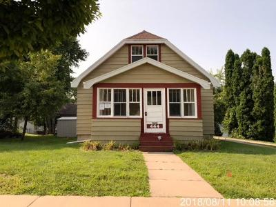 Jefferson Single Family Home Active Contingent With Offer: 444 E Racine St