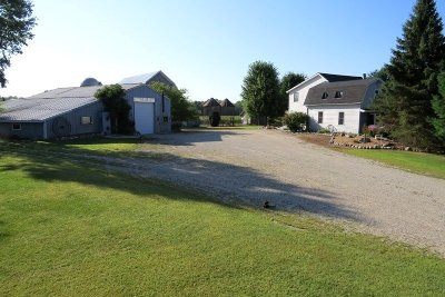 Jefferson Single Family Home Active Contingent With Offer: N3284 County Road D