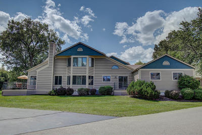 Pewaukee Condo/Townhouse For Sale: W304n2368 N Westwind Dr #4C