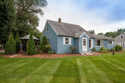 Oconomowoc Single Family Home Active Contingent With Offer: N53w37135 Madison St