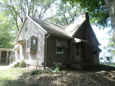 Pleasant Prairie WI Single Family Home For Sale: $179,900