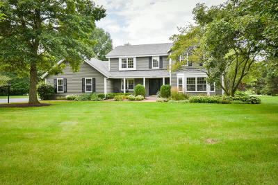 Ozaukee County Single Family Home Active Contingent With Offer: 10205 N Kenilworth Cir
