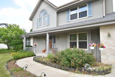 Menomonee Falls Single Family Home For Sale: N54w14514 Thornhill Dr