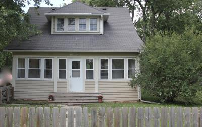 Okauchee Single Family Home Active Contingent With Offer: W348n5159 Elm Ave