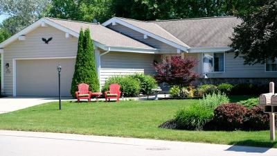 Menomonee Falls Single Family Home Active Contingent With Offer: N76w15727 Countryside Dr