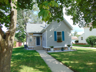 Eagle Single Family Home Active Contingent With Offer: 408 E Main St