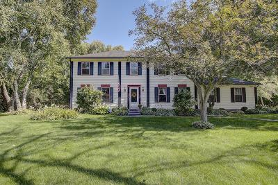 Cedarburg Single Family Home For Sale: 1626 Devonshire Dr