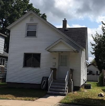 Menominee Single Family Home For Sale: 1107 17th Ave