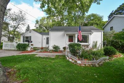 Hartland Single Family Home Active Contingent With Offer: 918 Lisbon Ave