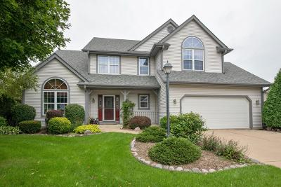 Racine Single Family Home Active Contingent With Offer: 6539 Williamsburg Way