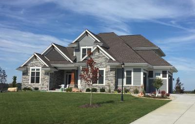 Pewaukee Single Family Home Active Contingent With Offer: W297n3325 Woodridge Cir