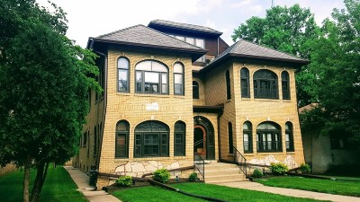 Milwaukee Multi Family Home For Sale: 4226 W Highland Blvd