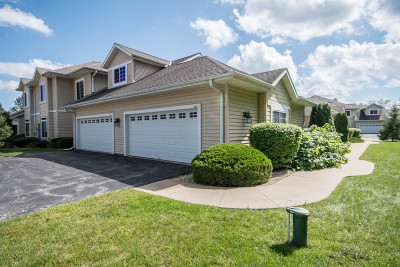 Oconomowoc Condo/Townhouse Active Contingent With Offer: W398n5987 Autumn Woods Dr