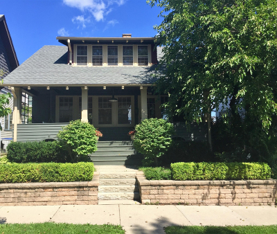 Milwaukee Single Family Home Active Contingent With Offer: 1708 E Kenwood Blvd