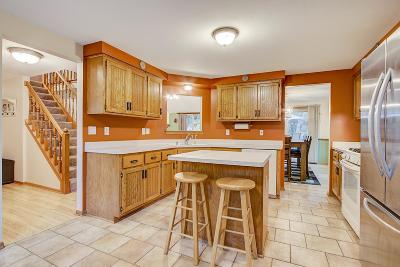 Mukwonago Single Family Home Active Contingent With Offer: W305s7578 Mosher Ct