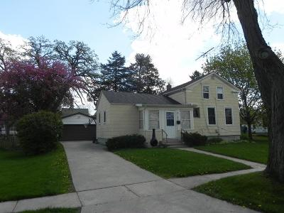Single Family Home Sold: 609 Maple St