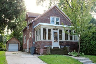 Watertown Single Family Home For Sale: 209 N Monroe St