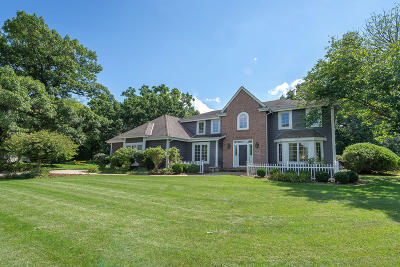 Hartland Single Family Home For Sale: N49w31079 Old Steeple Rd
