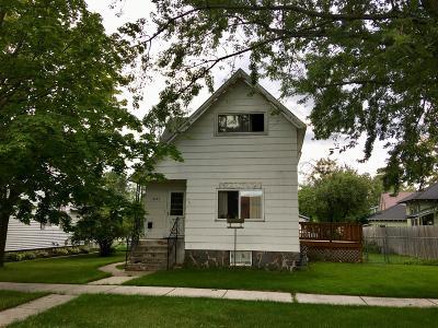 Marinette Single Family Home For Sale: 1621 Elizabeth